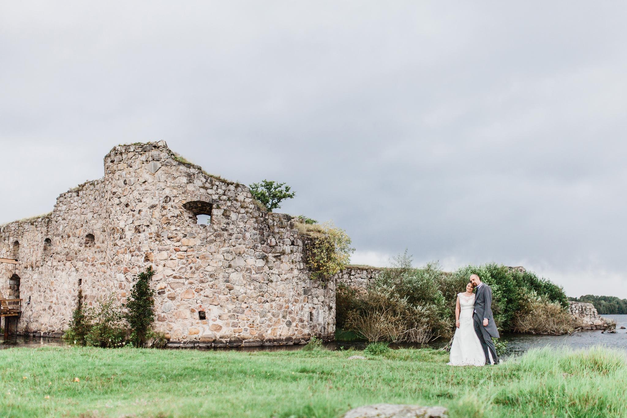 Bröllopsfotografering i Växjö vid Kronobergs slottsruin