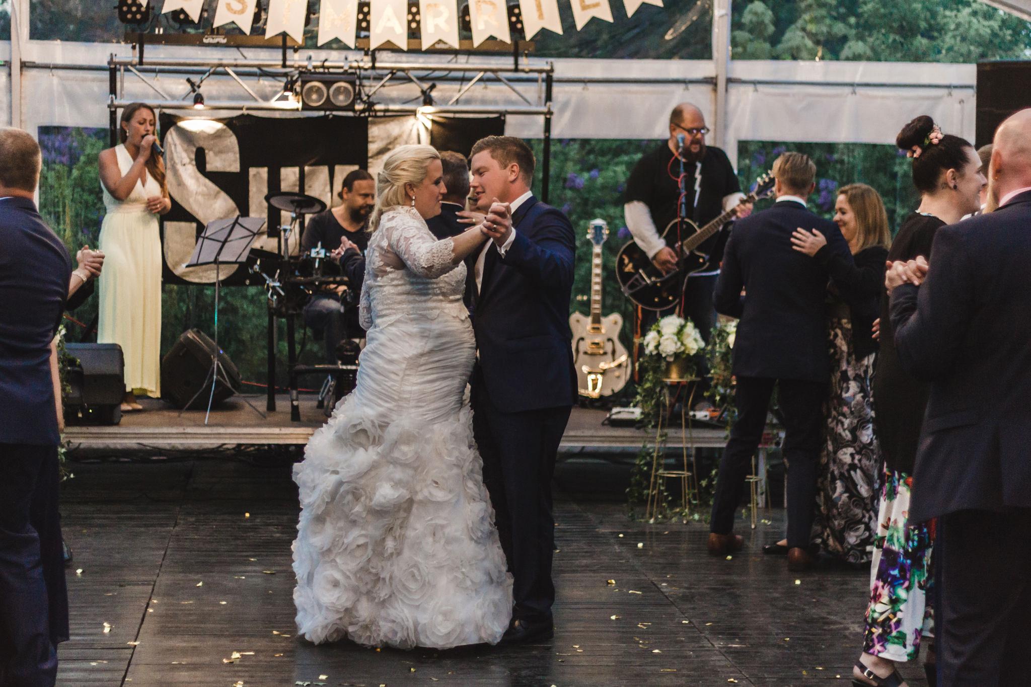 Bröllopsfest i alltid soliga Järvsö
