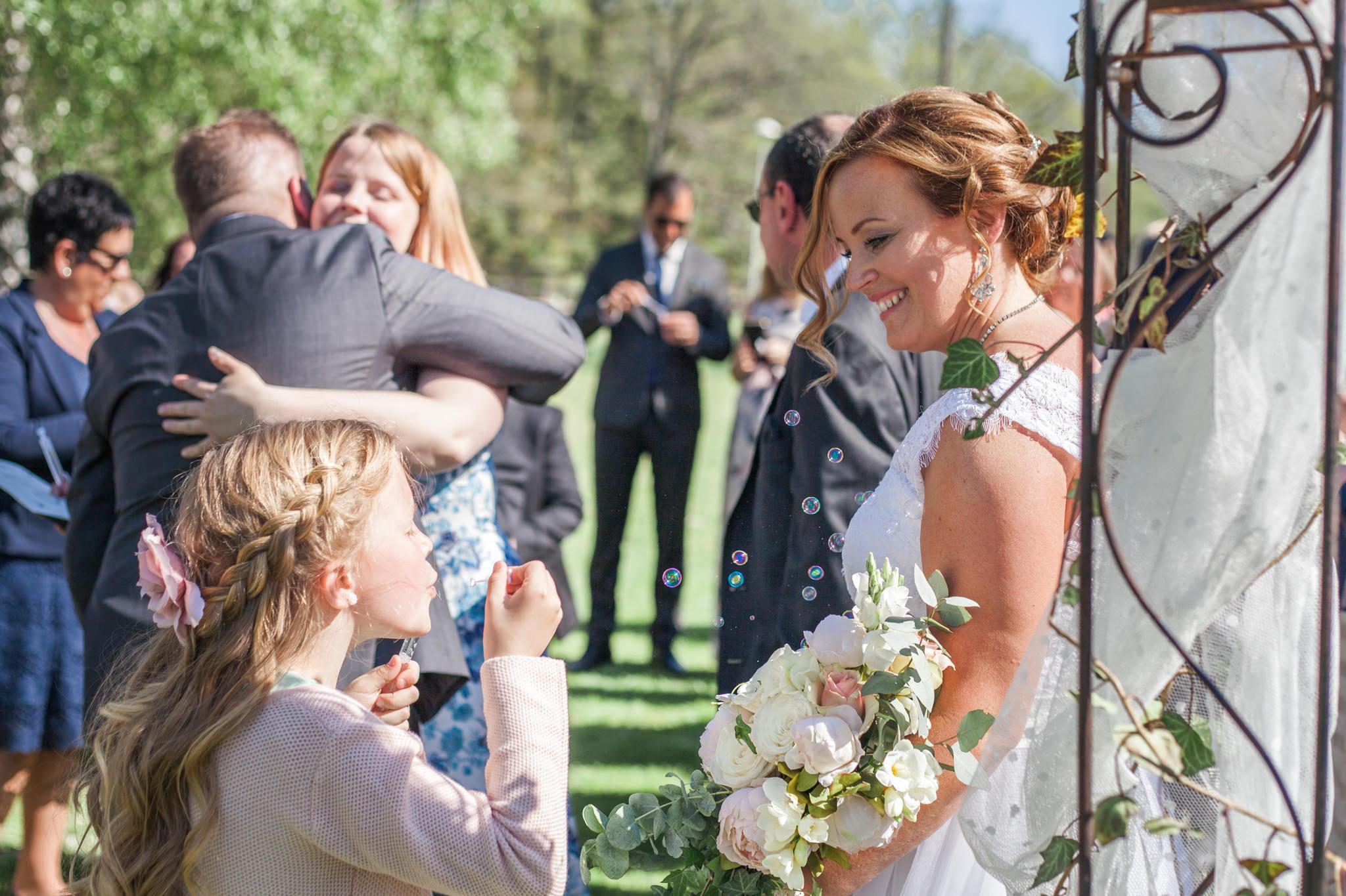 Såpbubblor på bröllop vid Slattefors Magasin i Linköping