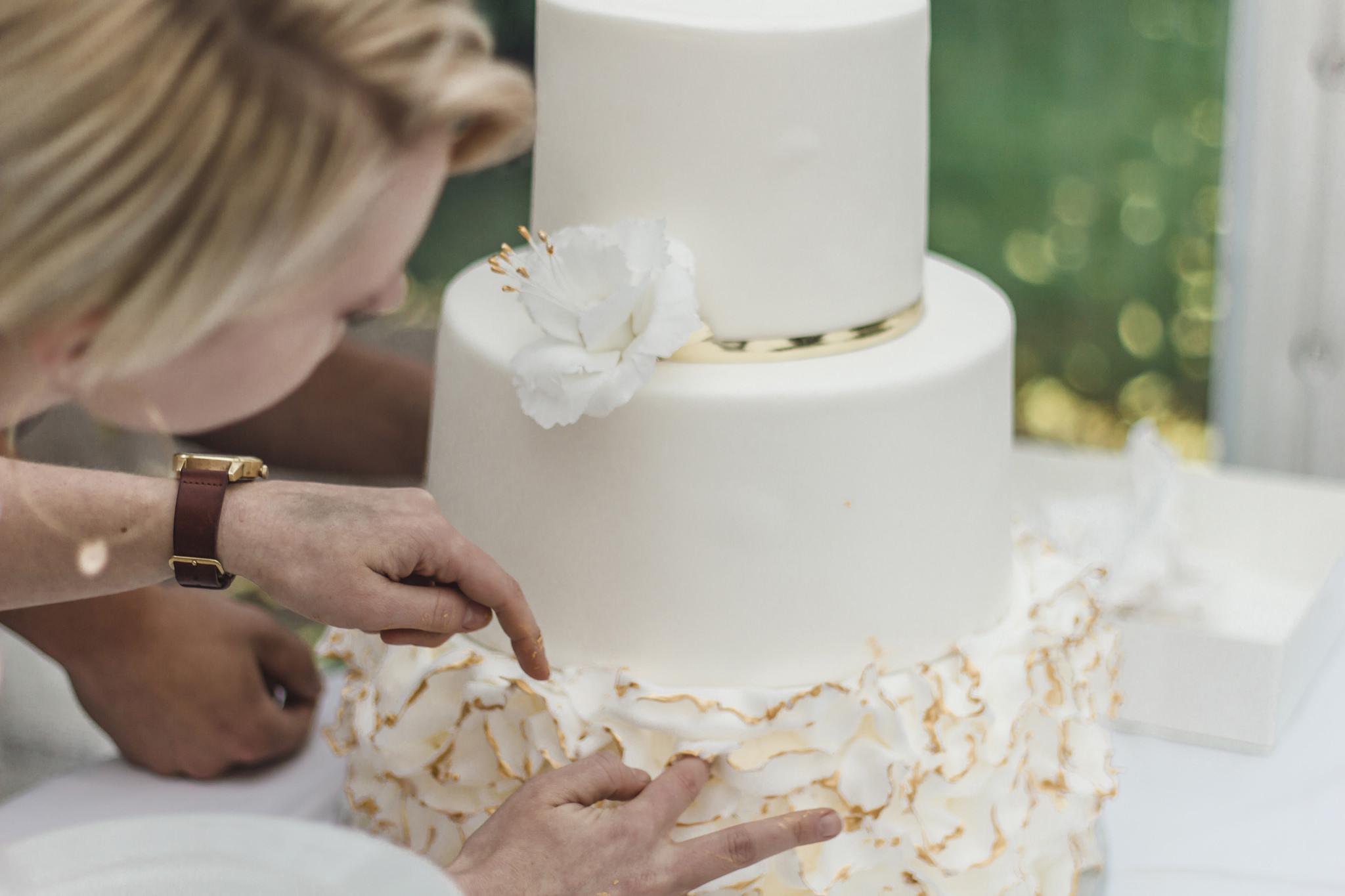 Bröllopstårta i alltid soliga Järvsö