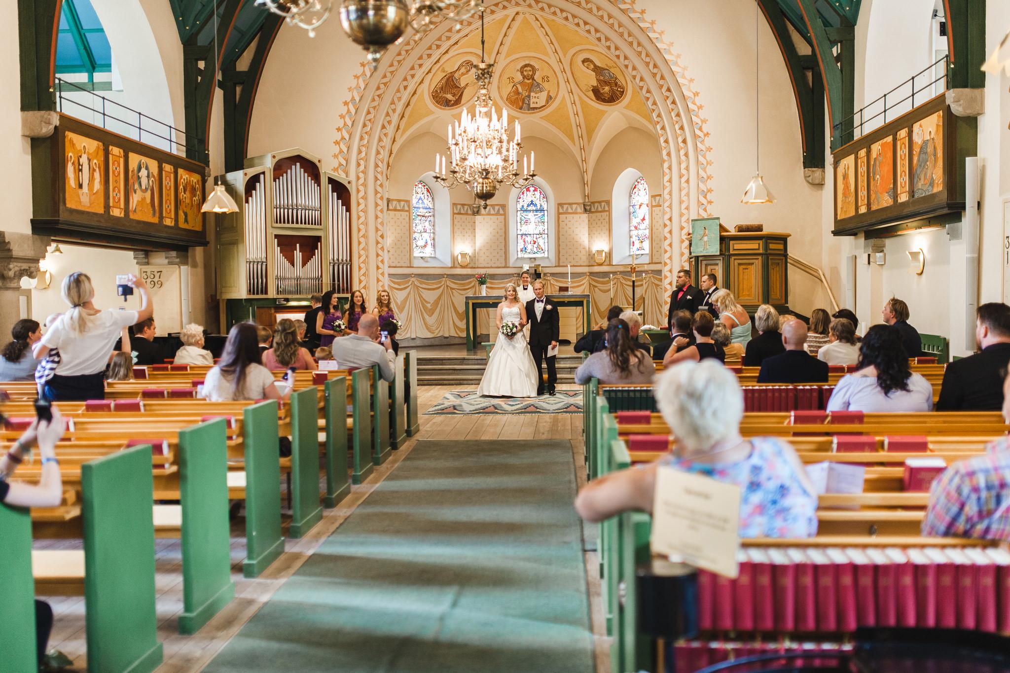 Vigsel i Längbro kyrka Bröllop Örebro