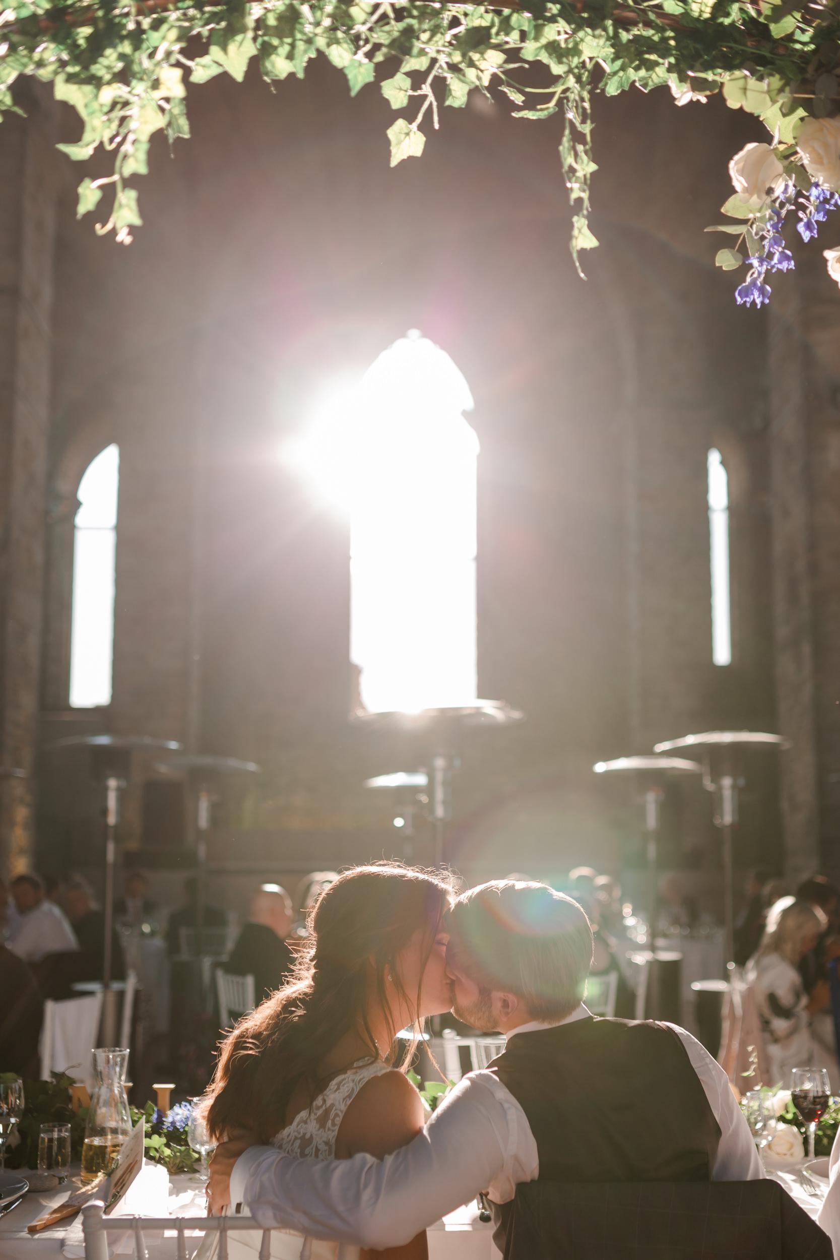 Bröllop i Visby i St Nicolai ruin