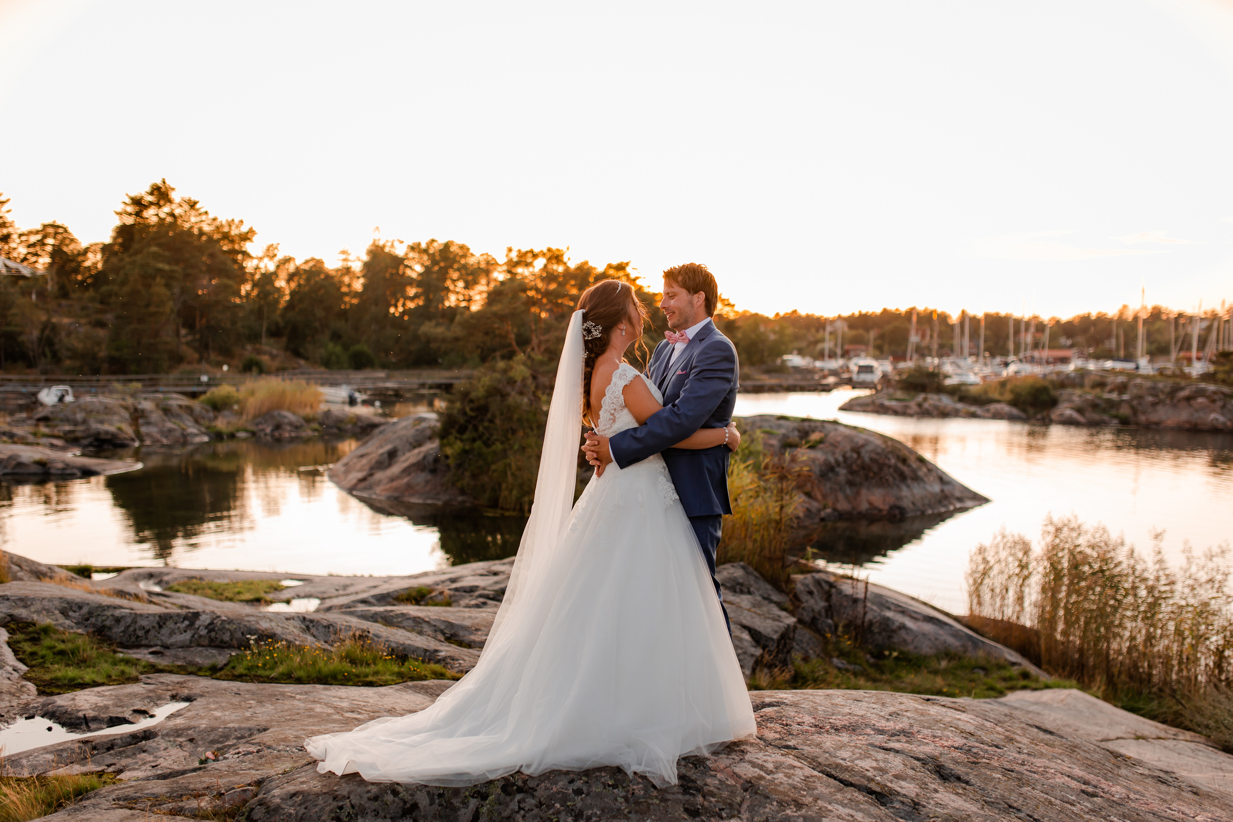 Wedding photography in golden hour